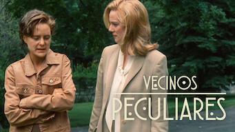 Vecinos peculiares (2001)